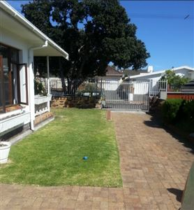 Fish Hoek property to rent. Ref No: 13399289. Picture no 1