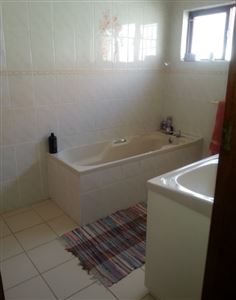Fish Hoek property to rent. Ref No: 13399289. Picture no 10