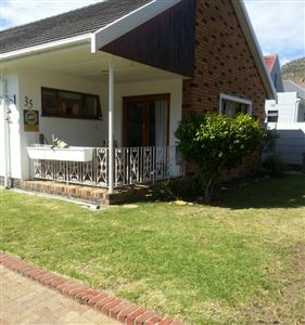 Fish Hoek property to rent. Ref No: 13399289. Picture no 3
