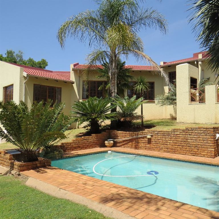 Immaculate Family Home in Rangeview Ext 4