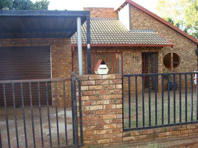 Doornpoort property for sale. Ref No: 13400705. Picture no 1
