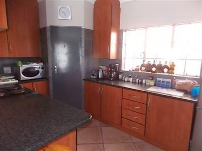 Doornpoort property for sale. Ref No: 13400712. Picture no 1