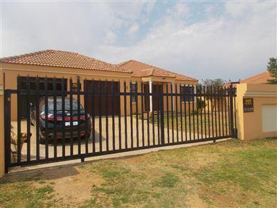 Johannesburg, Liefde En Vrede Property  | Houses For Sale Liefde En Vrede, Liefde En Vrede, Flats 3 bedrooms property for sale Price:1,600,000