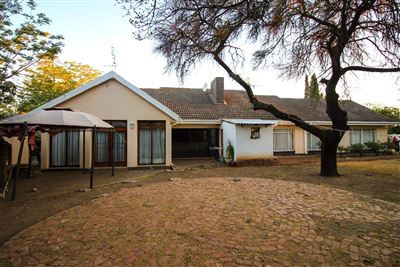 Bloemfontein, Universitas Property  | Houses For Sale Universitas, Universitas, House 9 bedrooms property for sale Price:2,369,000