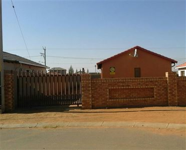 Windmill Park property for sale. Ref No: 13388888. Picture no 1