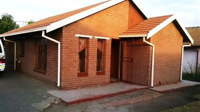 Boitekong & Ext property for sale. Ref No: 13401080. Picture no 1