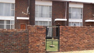 Roodepoort, Witpoortjie & Ext Property  | Houses For Sale Witpoortjie & Ext, Witpoortjie & Ext, Townhouse 3 bedrooms property for sale Price:460,000