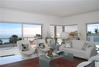 Camps Bay property to rent. Ref No: 13401694. Picture no 2