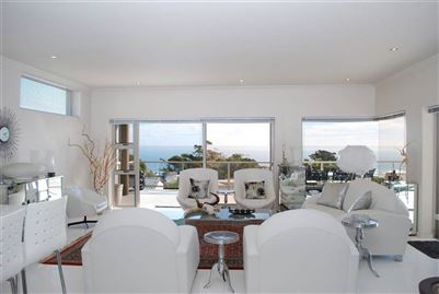 Camps Bay property to rent. Ref No: 13401694. Picture no 3