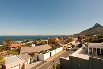 Camps Bay property to rent. Ref No: 13401694. Picture no 4