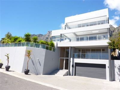 Camps Bay property to rent. Ref No: 13401694. Picture no 1