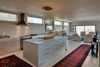 Camps Bay property to rent. Ref No: 13401694. Picture no 11