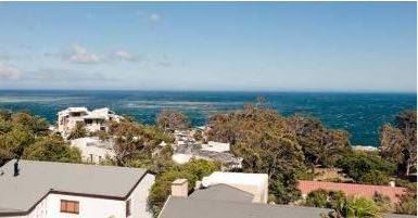 Camps Bay property to rent. Ref No: 13401694. Picture no 14