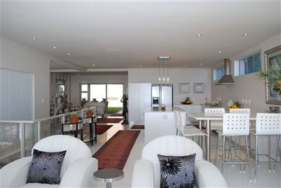 Camps Bay property to rent. Ref No: 13401694. Picture no 20