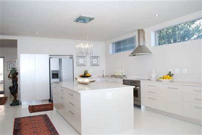 Camps Bay property to rent. Ref No: 13401694. Picture no 25