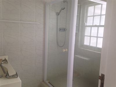 Bantry Bay property to rent. Ref No: 13401912. Picture no 21