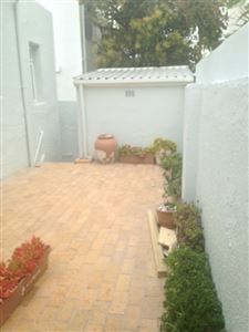 Bantry Bay property to rent. Ref No: 13401912. Picture no 19