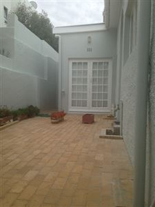 Bantry Bay property to rent. Ref No: 13401912. Picture no 20