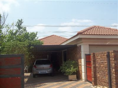 Alberton property for sale. Ref No: 13401964. Picture no 1