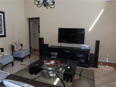 Rustenburg property to rent. Ref No: 13401999. Picture no 3