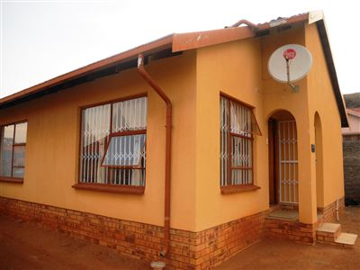 Tlhabane West property for sale. Ref No: 13402370. Picture no 1