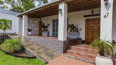 House for sale in Jamestown