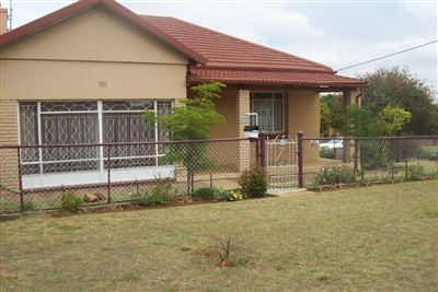 Krugersdorp, Krugersdorp North Property  | Houses For Sale Krugersdorp North, Krugersdorp North, House 3 bedrooms property for sale Price:1,242,000