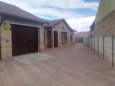 Bloemfontein, Vista Park Property  | Houses For Sale Vista Park, Vista Park, House 3 bedrooms property for sale Price:960,000