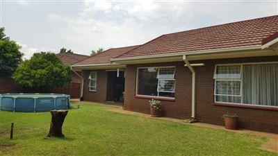 Parys property for sale. Ref No: 13381024. Picture no 12