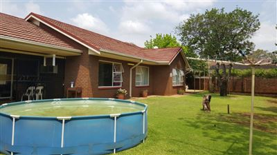 Parys property for sale. Ref No: 13381024. Picture no 17