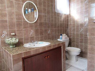 Uvongo property for sale. Ref No: 13404108. Picture no 18