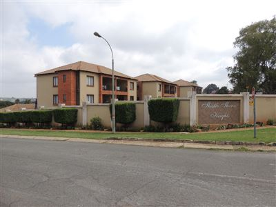 Roodepoort, Wilro Park Property  | Houses For Sale Wilro Park, Wilro Park, Townhouse 2 bedrooms property for sale Price:530,000