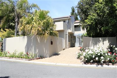 Townhouse for sale in Stellenberg