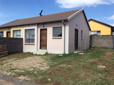 Roodepoort, Fleurhof Property  | Houses For Sale Fleurhof, Fleurhof, House 2 bedrooms property for sale Price:450,000