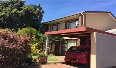 Townhouse for sale in Parow North