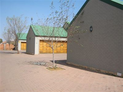 Potchefstroom, Van Der Hoff Park Property  | Houses To Rent Van Der Hoff Park, Van Der Hoff Park, Townhouse 2 bedrooms property to rent Price:,  8,00*