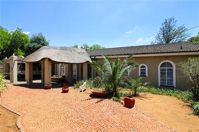 Bloemfontein, Bayswater Property  | Houses For Sale Bayswater, Bayswater, House 6 bedrooms property for sale Price:2,095,000
