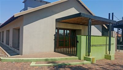 Rustenburg, Middedorp Property  | Houses For Sale Middedorp, Middedorp, Commercial  property for sale Price:4,800,000
