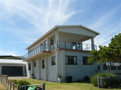 Property and Houses for sale in Stilbaai Oos, House, 6 Bedrooms - ZAR 3,800,000