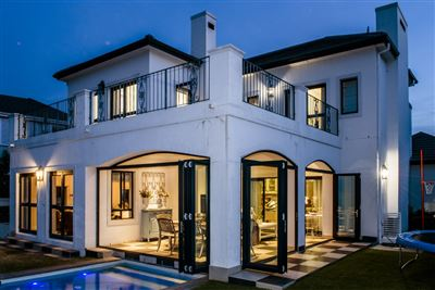 House for sale in Val De Vie Estate