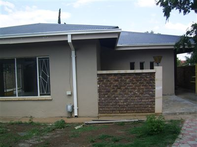 Potchefstroom Central property for sale. Ref No: 13412404. Picture no 1
