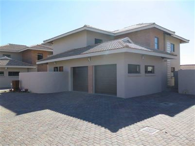 Six Fountains Residential Estate property for sale. Ref No: 13412718. Picture no 1
