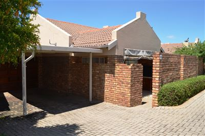 Centurion, Rooihuiskraal North Property  | Houses For Sale Rooihuiskraal North, Rooihuiskraal North, Townhouse 2 bedrooms property for sale Price:895,000