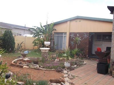 Klerksdorp, Randlespark Property  | Houses For Sale Randlespark, Randlespark, House 3 bedrooms property for sale Price:380,000