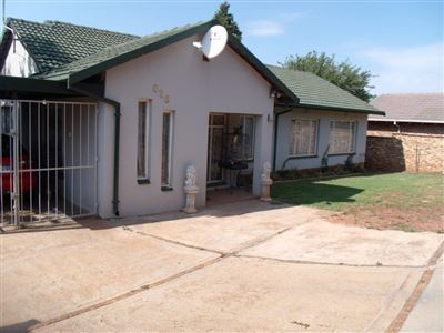 Krugersdorp, Rangeview Property  | Houses For Sale Rangeview, Rangeview, House 3 bedrooms property for sale Price:1,095,000