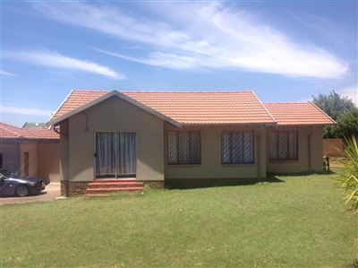 Krugersdorp, Mindalore & Ext Property  | Houses For Sale Mindalore & Ext, Mindalore & Ext, House 3 bedrooms property for sale Price:670,000