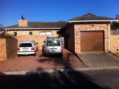 Port Elizabeth, Summerstrand Property  | Houses To Rent Summerstrand, Summerstrand, House 3 bedrooms property to rent Price:,  9,00*