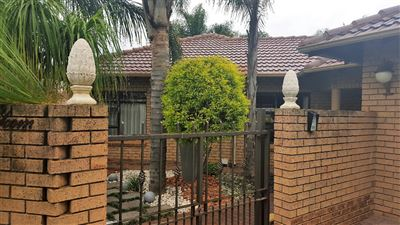 Pretoria, Equestria Property  | Houses For Sale Equestria, Equestria, Cluster 3 bedrooms property for sale Price:1,995,000
