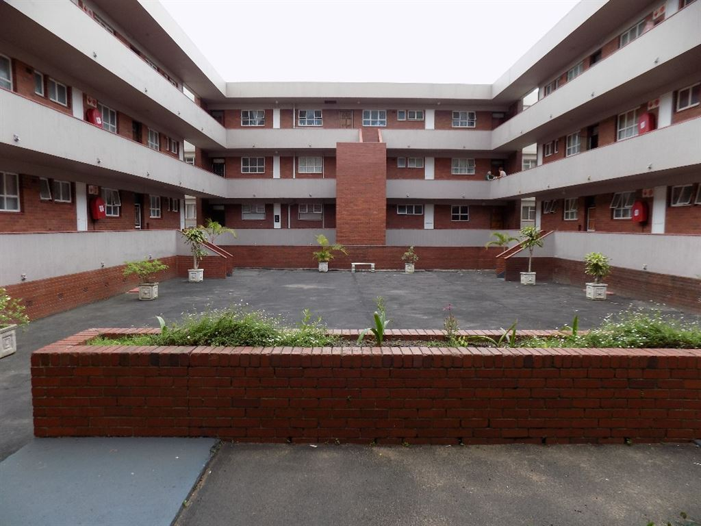3 bedroom Apartment for sale in Umkomaas