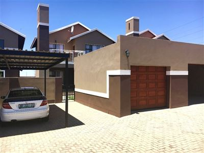 Bloemfontein, Bayswater Property  | Houses For Sale Bayswater, Bayswater, Townhouse 3 bedrooms property for sale Price:1,399,000